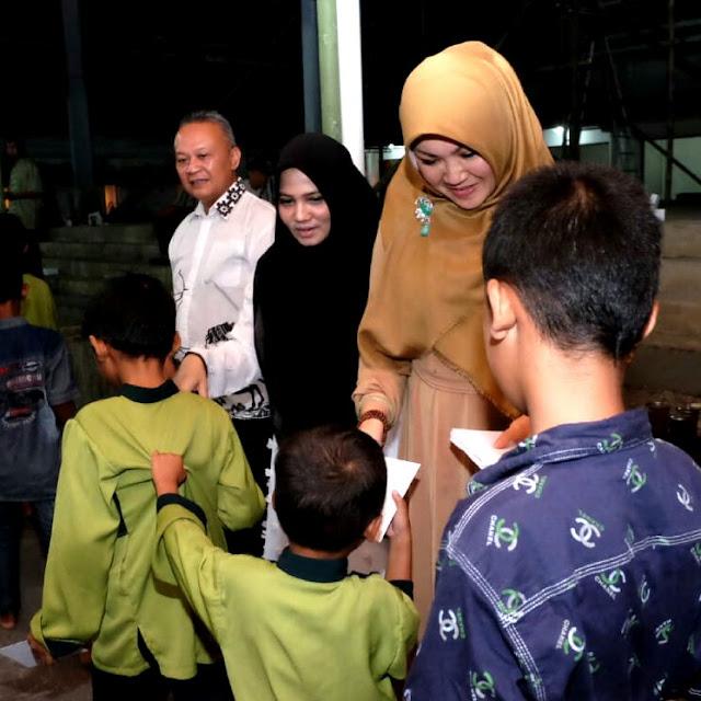 Bupati Sri Mulyani Ajak Bukber Santri dan Anak Yatim Piatu