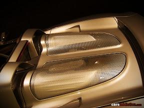 Porsche Carrera GT overhead intakes