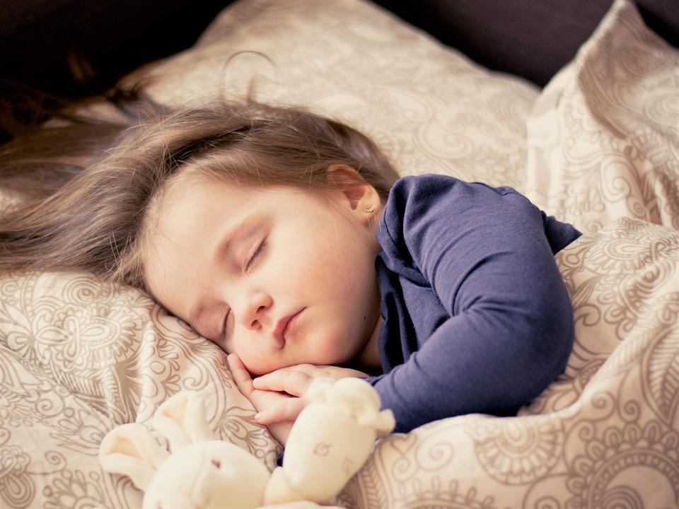 Baby cute ngủ đáng yêu