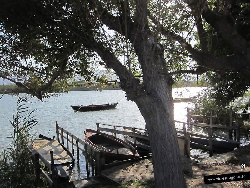 L'Estany de Cullera es un lago de agua dulce que está abierto al mar