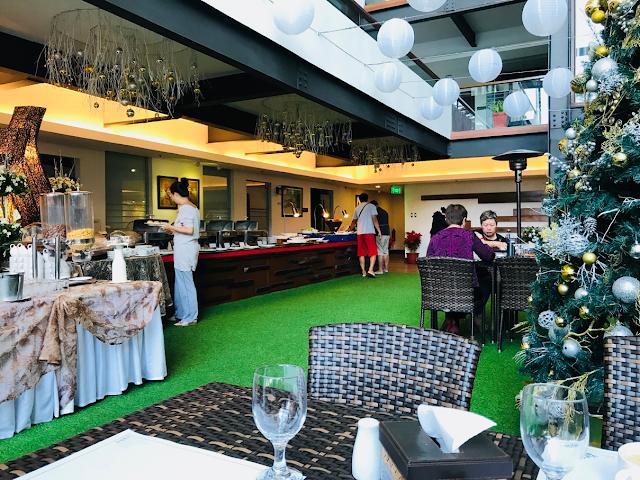 Grand Sierra Pines Hotel in Baguio City - breakfast buffet