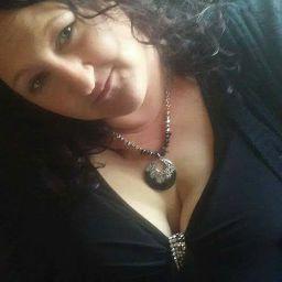 user Brenda Wells apkdeer profile image