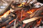 jak krásně to mokré dřevo hoří :)