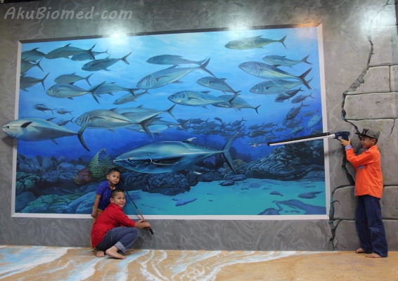 menangkap ikan di Magic Art Museum