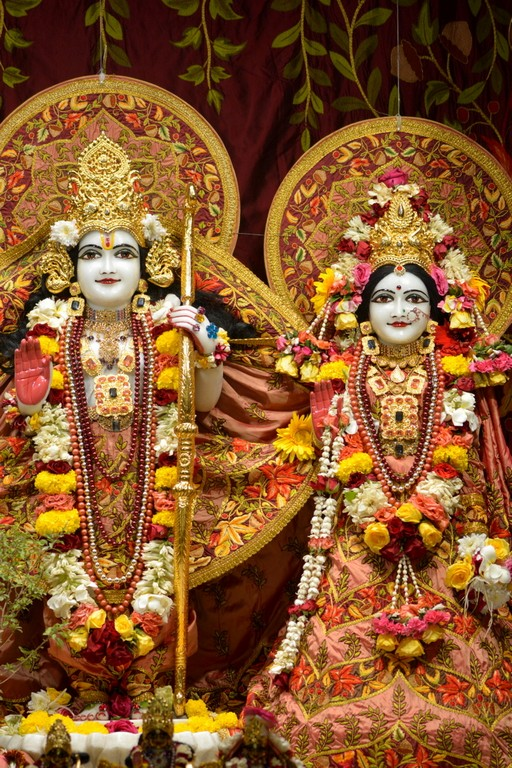 ISKCON Juhu Deity Darshan 28 Mar 2016  (28)