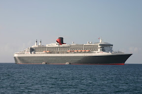 Tenders and the Queen Mary 2, anchored in Grenada
