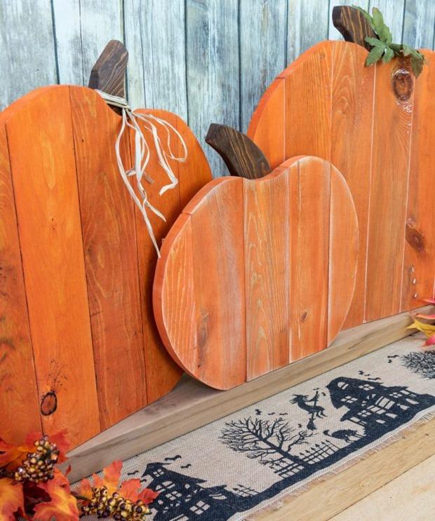 pallet-pumpkin-trio-final-almost-square-600x719