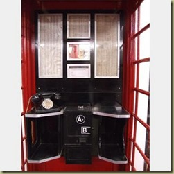 red-telephone-kiosk-5