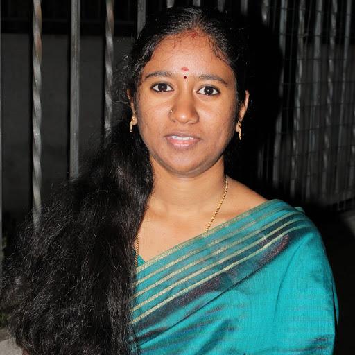 Gayathry devi Logeshwaran picture