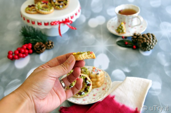 Classic Shortbread Cookies – Christmas Wreath and Christmas Tree  http://uTry.it