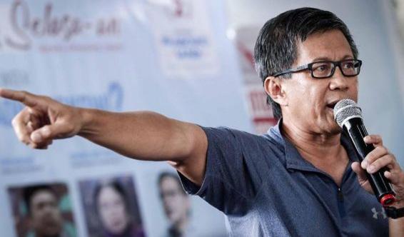 Suroto 'Dihajar' Emak-emak Usai Bertemu Jokowi, Rocky Gerung: Legitimasi Presiden Sebetulnya Udah Drop Habis