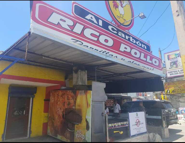 Restaurante Pollo Rico por insalubridad