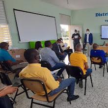 VICENTE NOBLE: Distrito Educativo 01-05 imparte taller de supervisión Educativa.