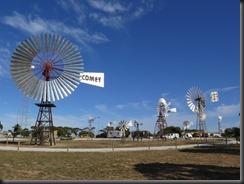170428 005 Penong Windmills