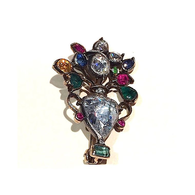 Antique brooches are back in vogue on both sides of the ...