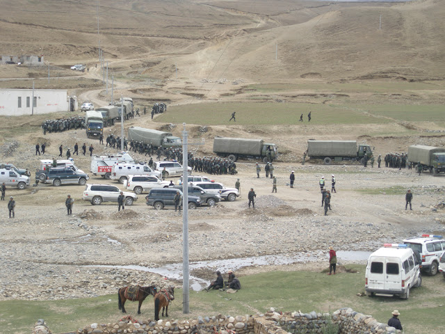 Dramatic Photos: Tibetans Detained After Anti-Mining Protest In Shigatse - Security-Forces3-1.jpg