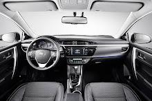 Yeni-2014-Toyota-Corolla-ic-mekan-kabin-1