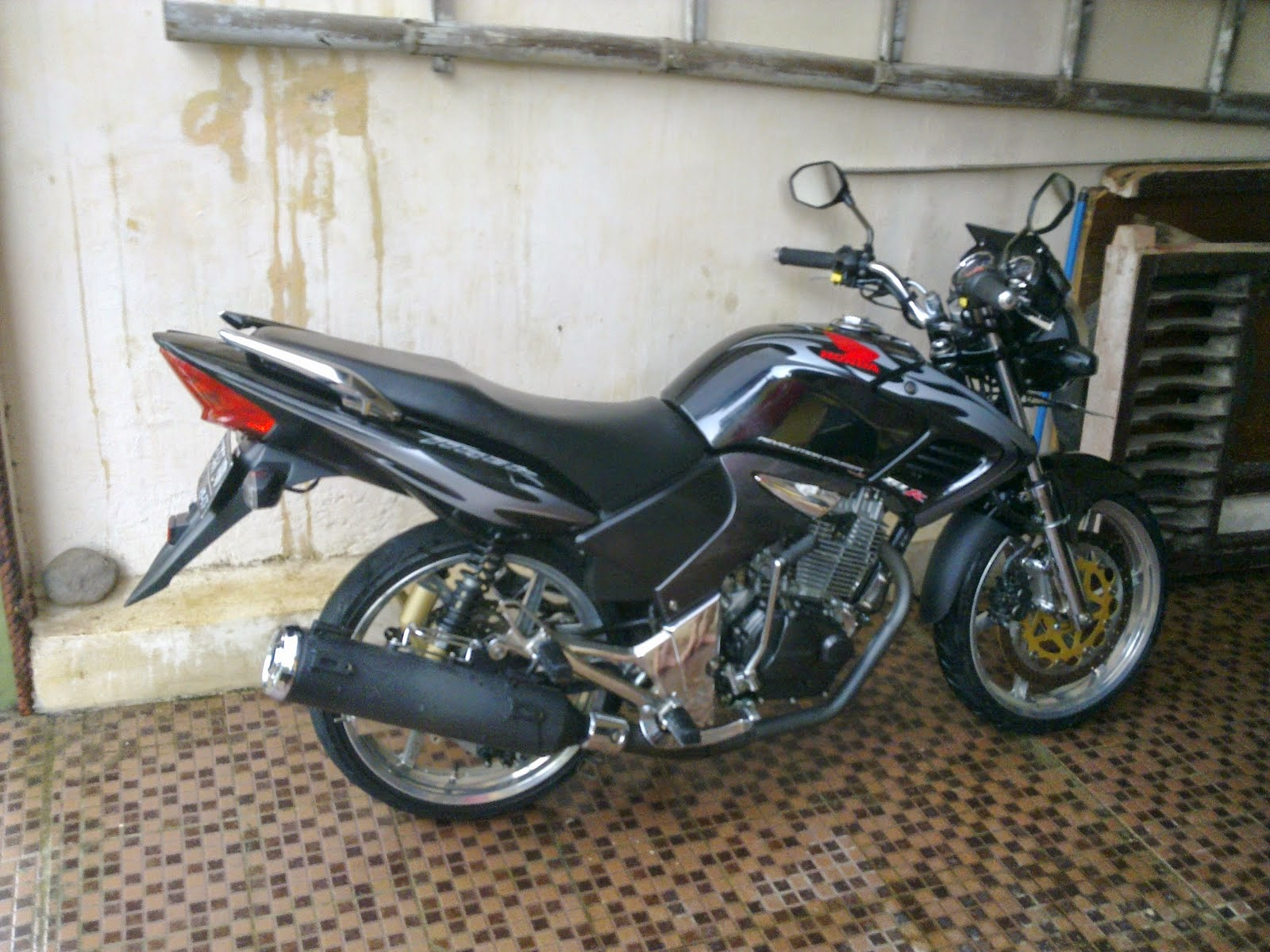 Modifikasi Motor Tiger Revo Ceper