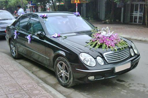 Cho thuê xe cưới Mercedes S500 4 chỗ