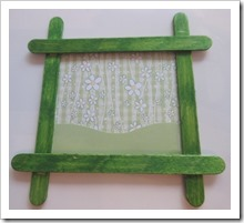 POpsickle Stick Easter Bunny Picture Frame 1