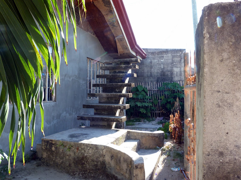 Escalier menant ?