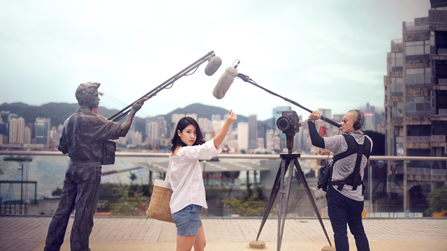 Bella and Soundman at Avenue of Stars_HK