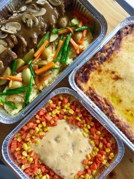 Our orders at Arvy's Bistro were roast beef, baked salmon, and cheesy baked macaroni