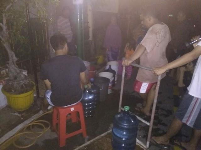 Banjir Mulai Surut, Warga Krisis Air Bersih