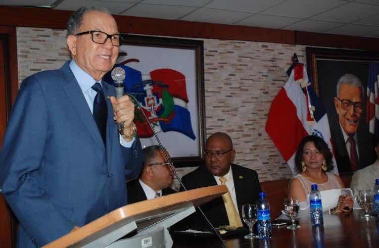 Dirigentes del PRD ponderan labor del Ing. Julio Mariñez al frente del IDECOOP