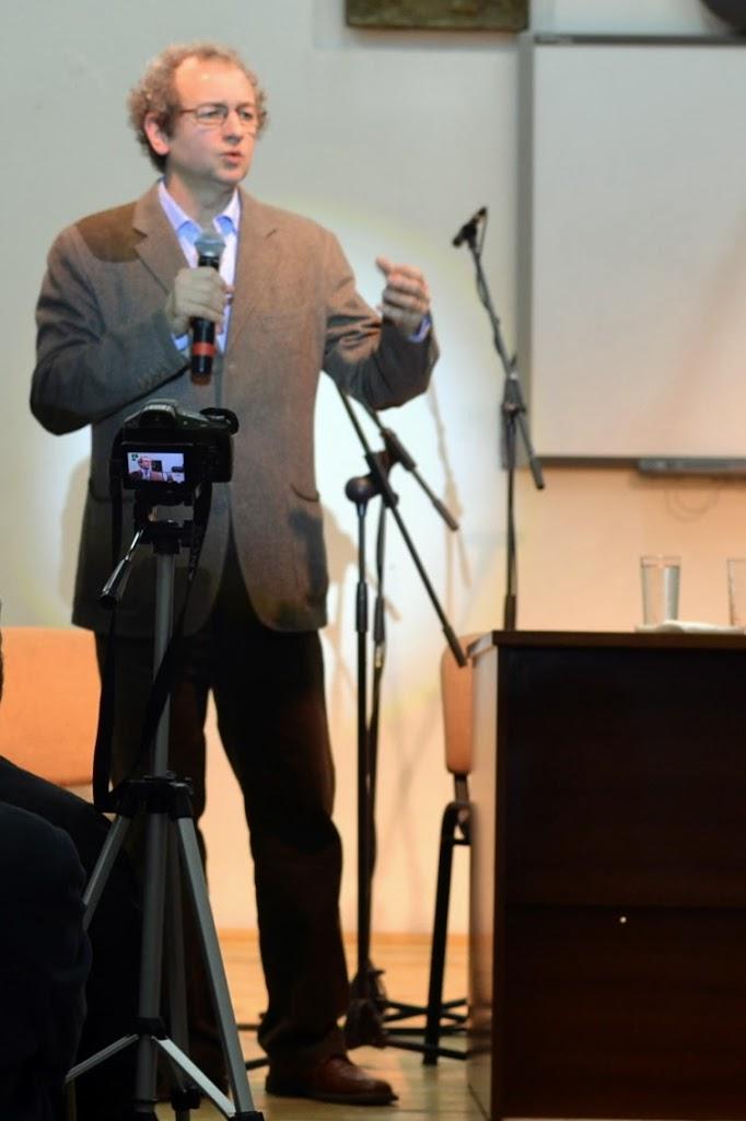 Conferinta Despre martiri cu Dan Puric, FTOUB 071