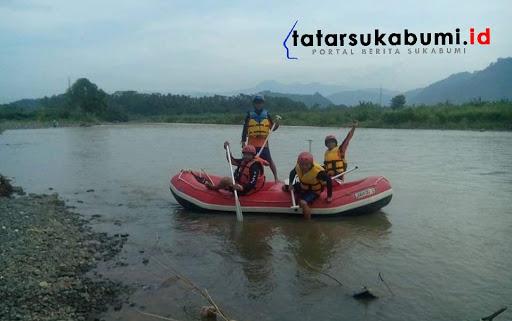 Proses pencarian korban tenggelam di Sungai Cimandiri // Foto : Rudi Imelda