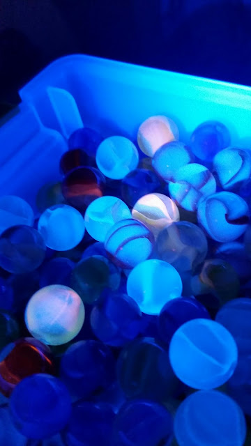 UV BLACKLIGHT MARBLES