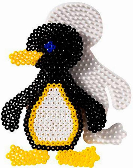 Chú Chim Cánh cụt trong bộ Khuôn Xếp hạt Hama 4511 Penguin, Dolphin and Circle