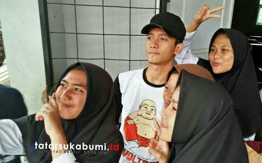 Reza DJ Mukty dan Ramly X-factor Goes To School SMK Pembangunan Cibadak