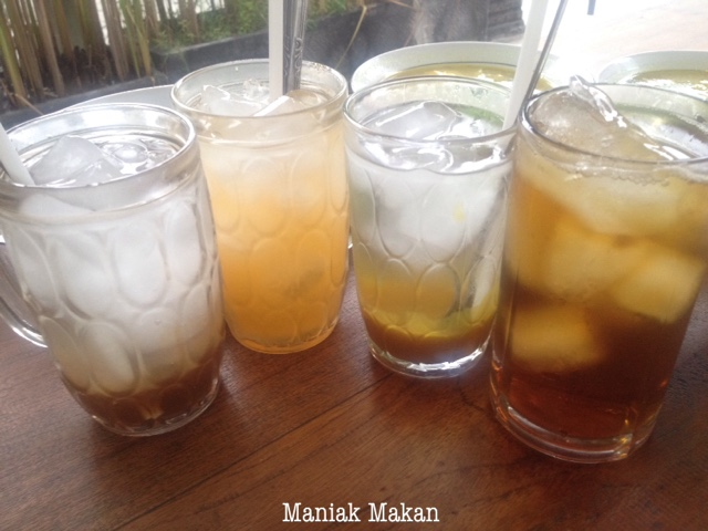 maniak-makan-soto-lamongan-cak-har-solo-menu-minuman