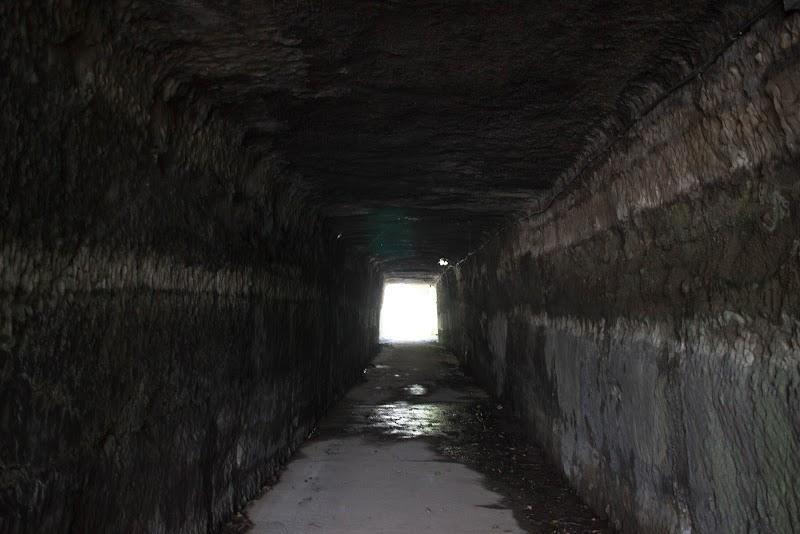 10:42 真四角なトンネル