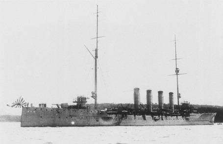 IJN_Chikuma_in_1912_during_commissioning