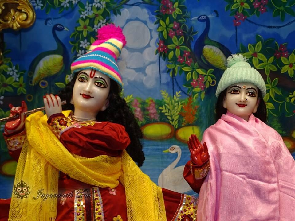 ISKCON Mira Road Mangla Deity Darshan 18 Dec 2015 (15)
