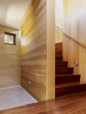 700 ccs cowper st stairwell first floor Rumah Indah Yang Terbuat Dari Tanah