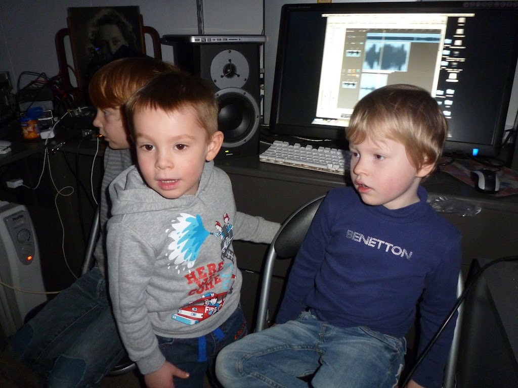 Leefgroep 1 op bezoek in een muziekkamer - P1080925.JPG
