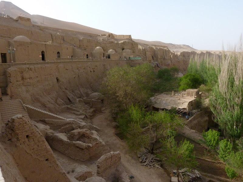 XINJIANG.  Turpan. Ancient city of Jiaohe, Flaming Mountains, Karez, Bezelik Thousand Budda caves - P1270998.JPG