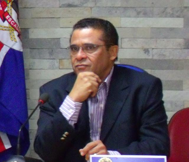 Câmara de Escada rejeita contas de 2015, e o ex-prefeito Lucrécio Gomes fica inelegível por 8 anos