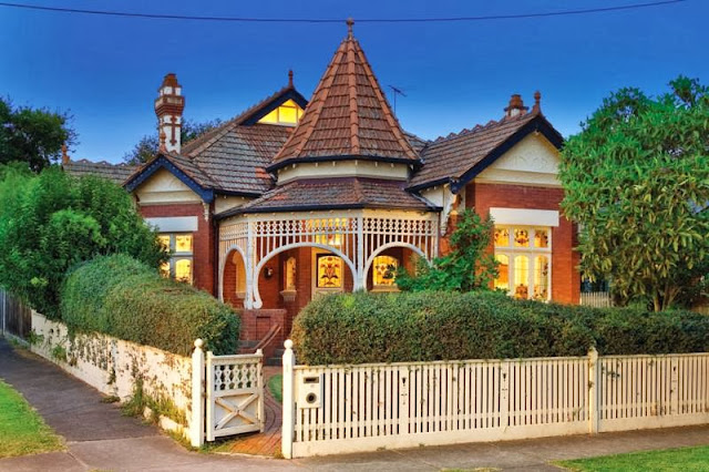 1 Hilda Crescent, Hawthorn:  April 2011 Asking $3.15 Million