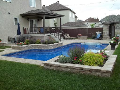 Contour de piscine trendy terrasse imitation parquet pour for Piscine autour de moi