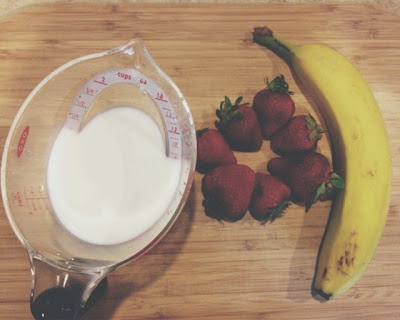 Quick and Simple Strawberry and Banana Smoothie Recipe