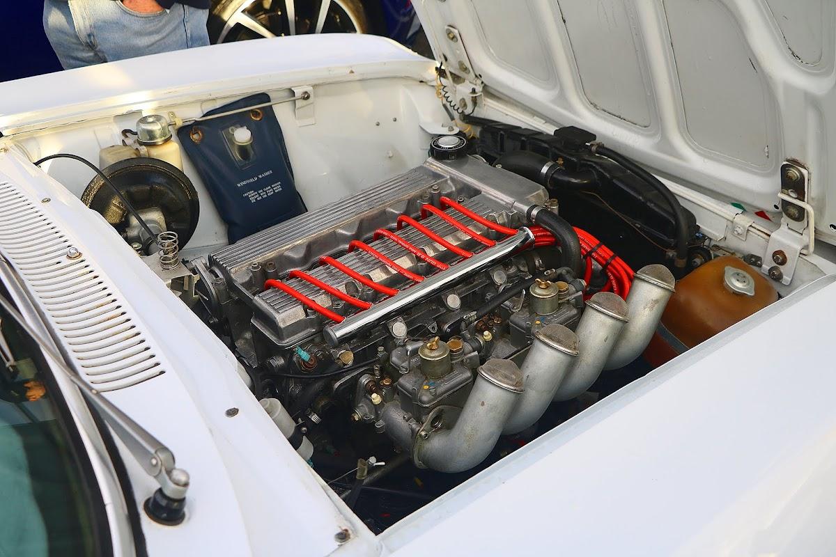 Alfa Romeo GTV 1750 Engine.jpg