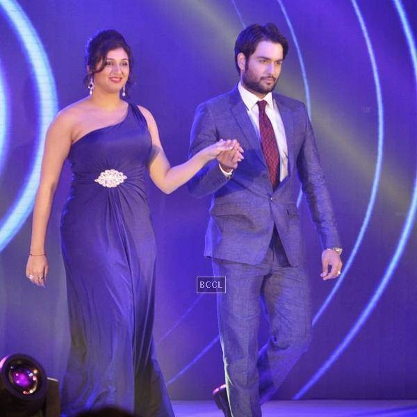 Vivian Dsena along with his wife Vahbbiz during the launch of Leading Jewellers of the world presents Ticket to Bollywood by Gitanjali Gems Pvt Ltd in Mumbai. (Pic: Viral Bhayani)