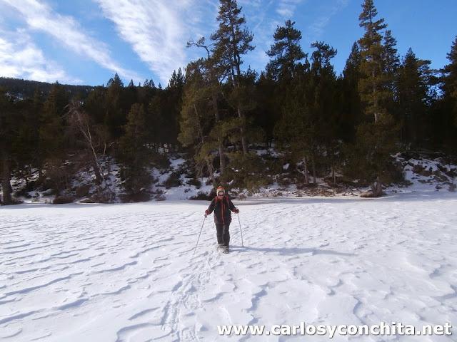 Caminando por encima del lago helado