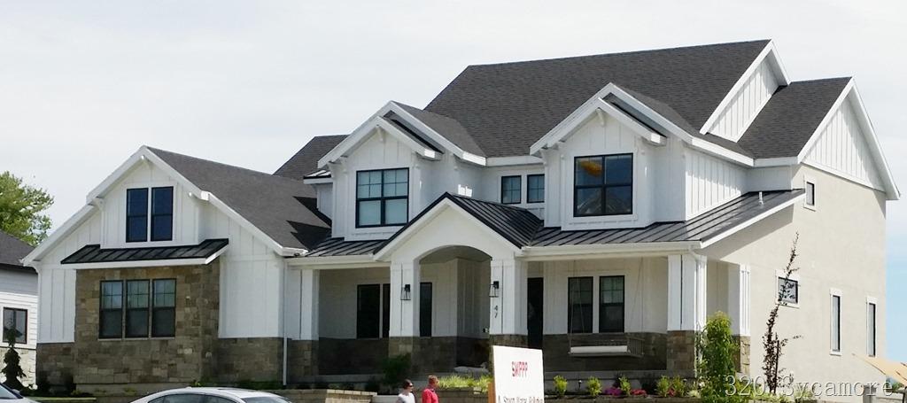 [modern+farmhouse+exterior%5B4%5D]