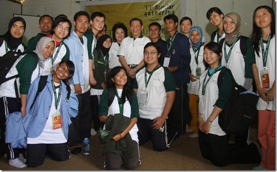 Dua Sumbangsih Terbesar Keluarga Sukanto Tanoto Untuk Pendidikan Indonesia